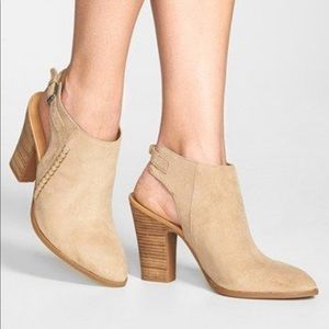Franco Sarto Adesso Ankle Booties✨